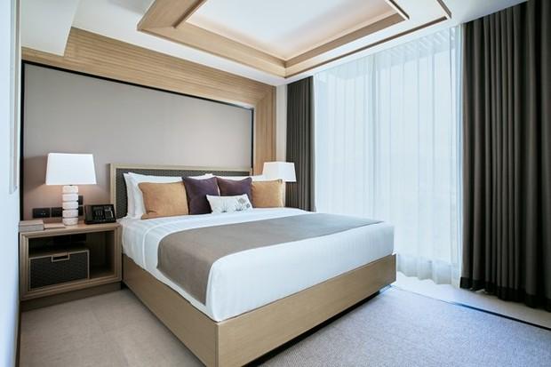 A suite bedroom in the Ocean Wing