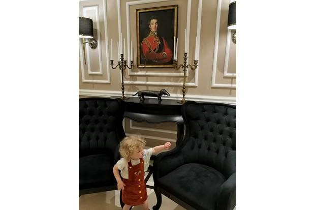Dukes hotel in Dubai reception - child proof?