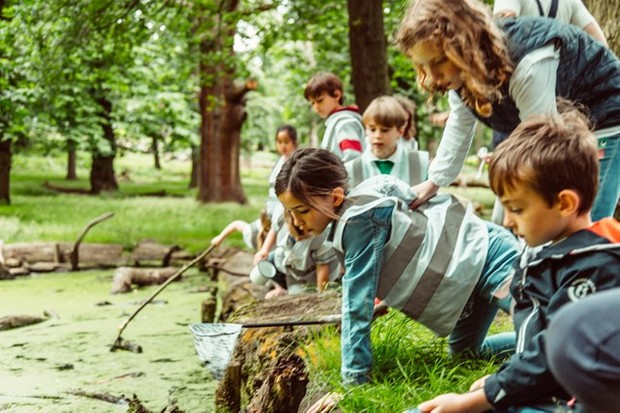 Pond dipping at First Hand Experiences {Pic: @PeanutButterVibes }