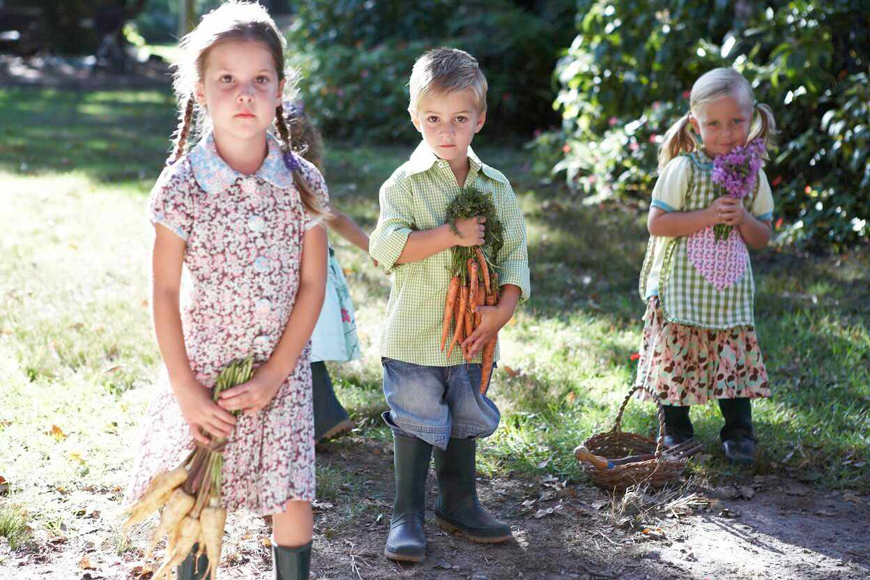 Growing vegetables with your child
