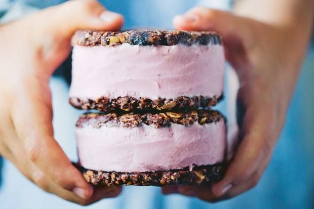 Vegan Chocolate Oat Cookie Sandwiches