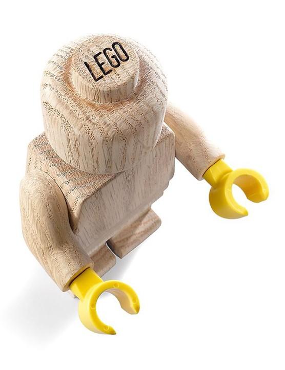 lego-figure-in-wood