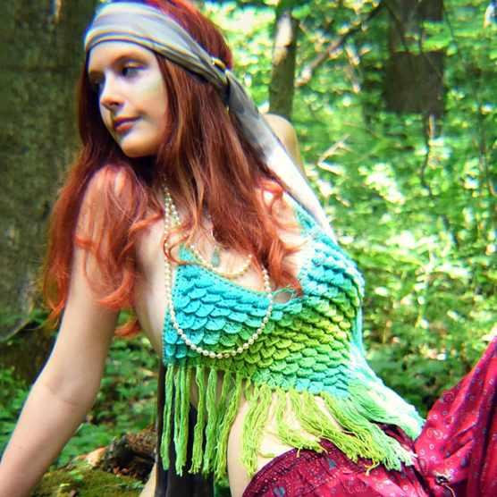 crocodile_stitch_festival_crochet_top