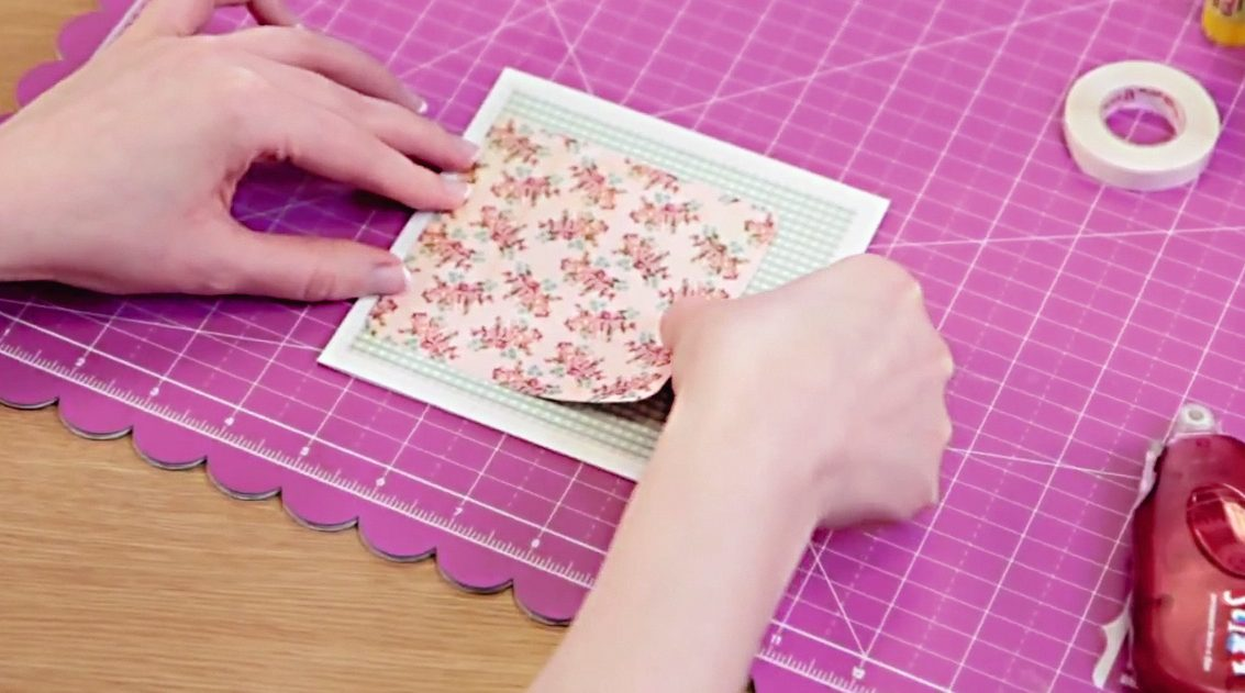 How to layer patterned papers