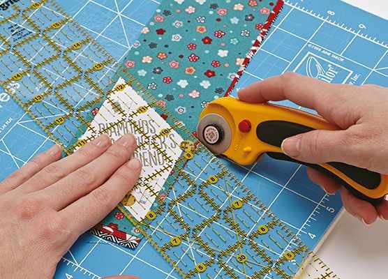 English paper piecing diamonds step 2