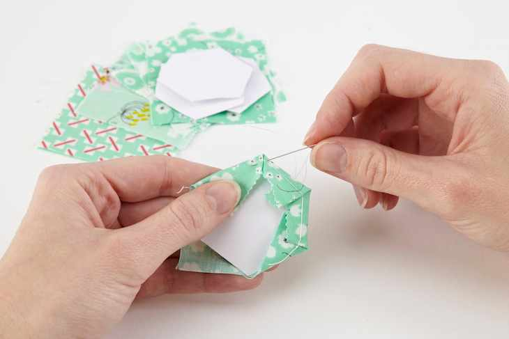 What is English Paper Piecing step 1