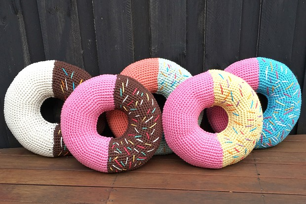 Giant donut cushion pattern