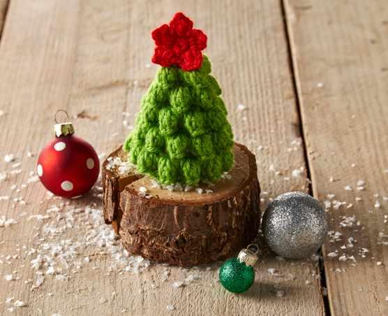 Free Mini Christmas Tree Pattern - Christmas tree crochet pattern