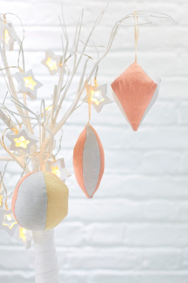 How to sew your own Christmas tree baubles
