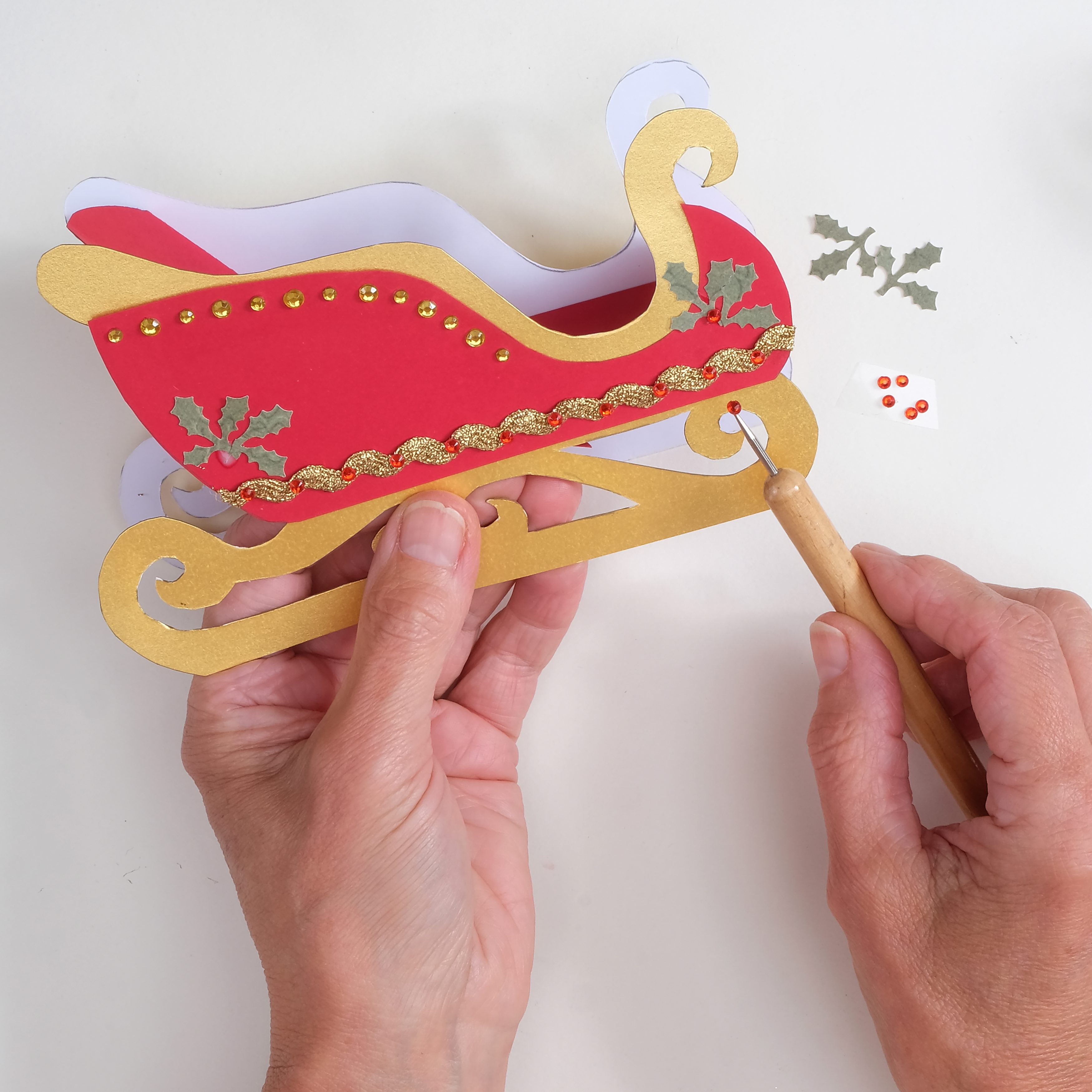 How to craft a papercraft Santa's sleigh