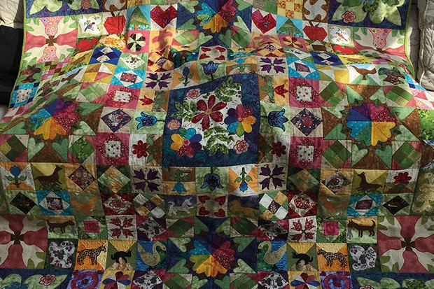 Silk Coverlet Reproduction Quilt Jenny-Fletcher
