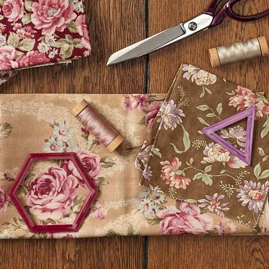 What is fussy cutting in quilting