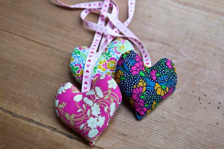How to make fabric hearts step 4b