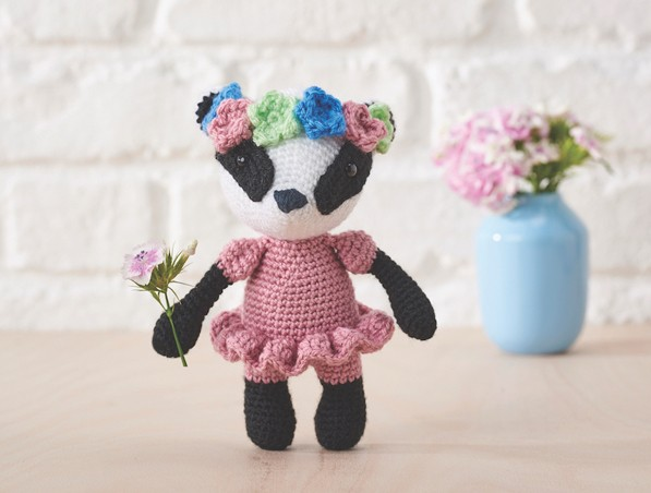 Bill the Badger amigurumi pattern - Amigurumipatterns.net | 574x768