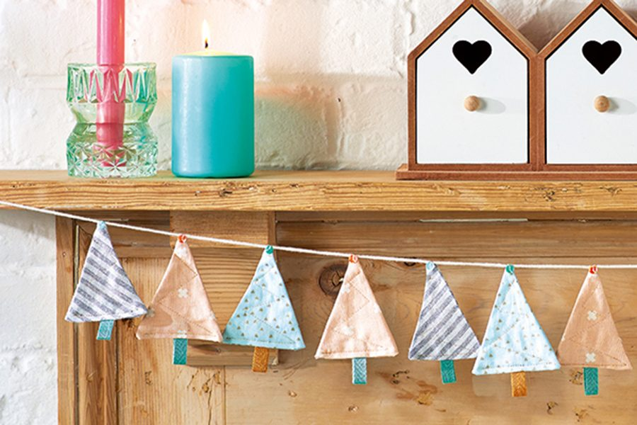 6. Free Christmas bunting sewing pattern