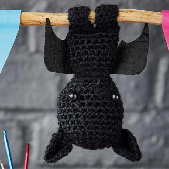 Simply_Crochet_Free_Bat_Pattern_main