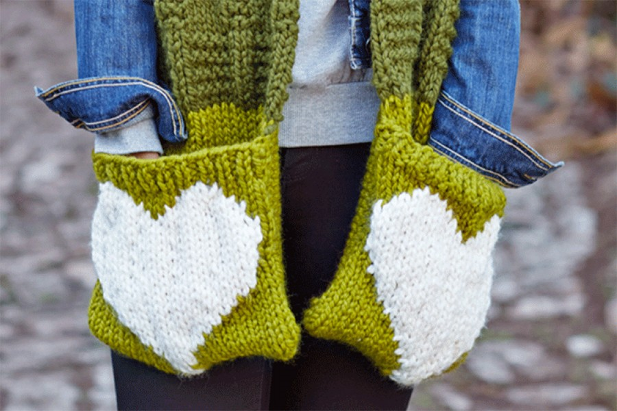 Valentine's heart scarf knitting pattern