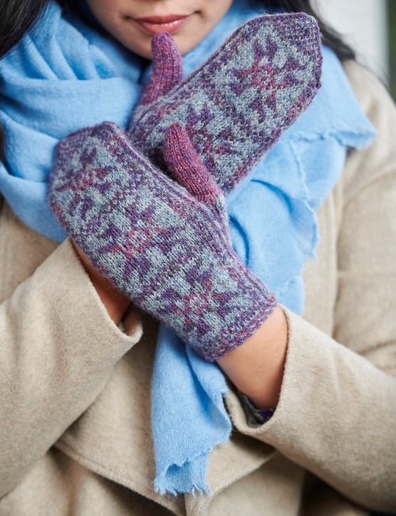 The Knitter 147 Winter Frost mittens