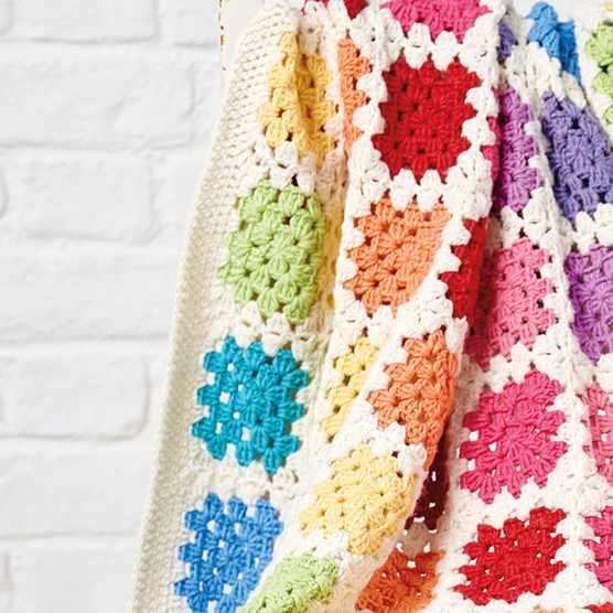 Free crochet granny Square Baby Blanket header