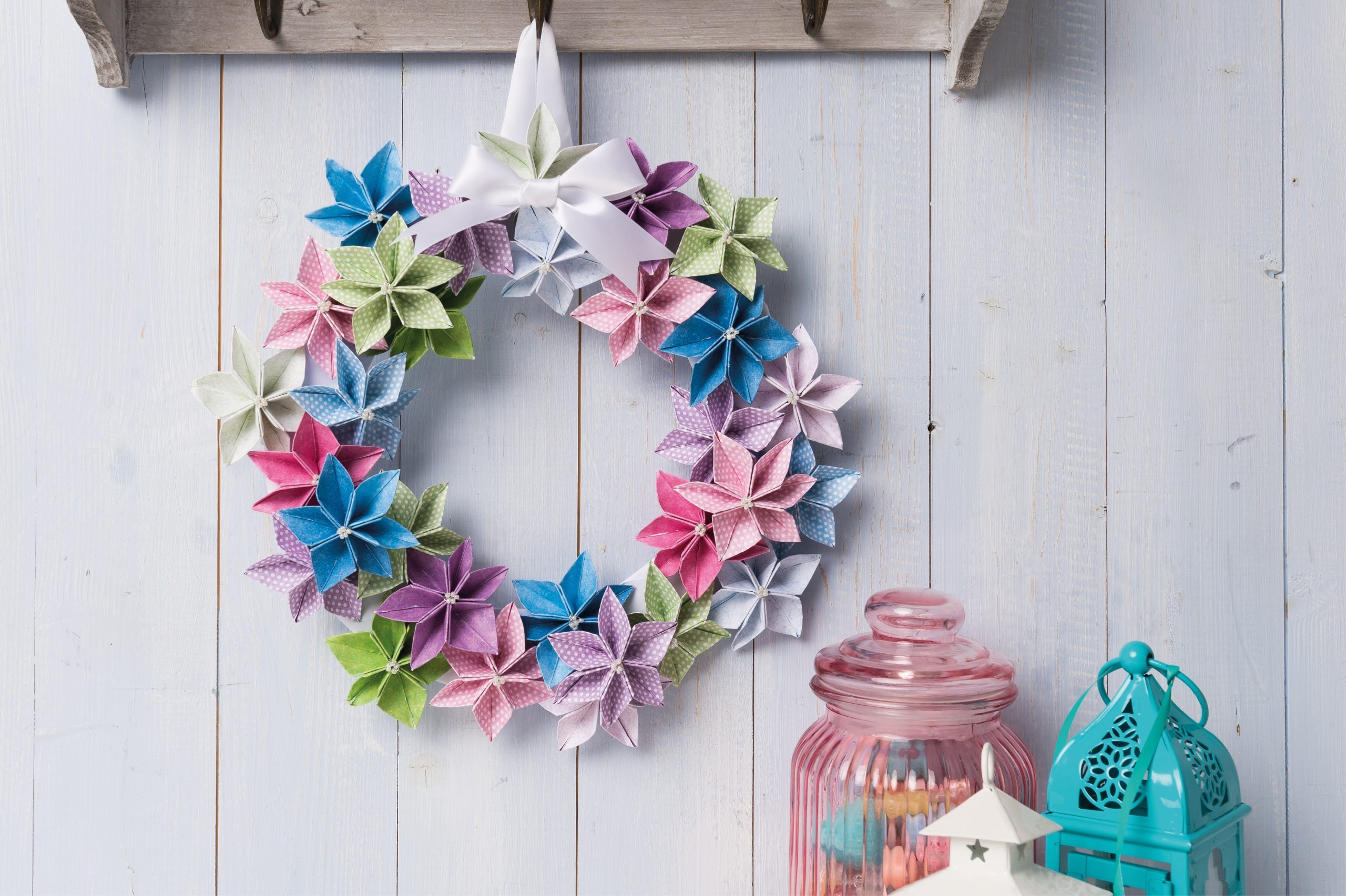 How to make an origami flower wreath