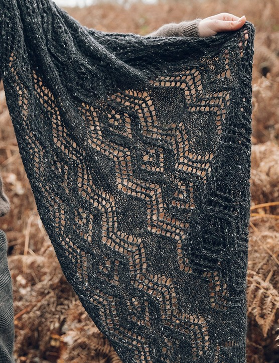 The Knitter 163 lace shawl