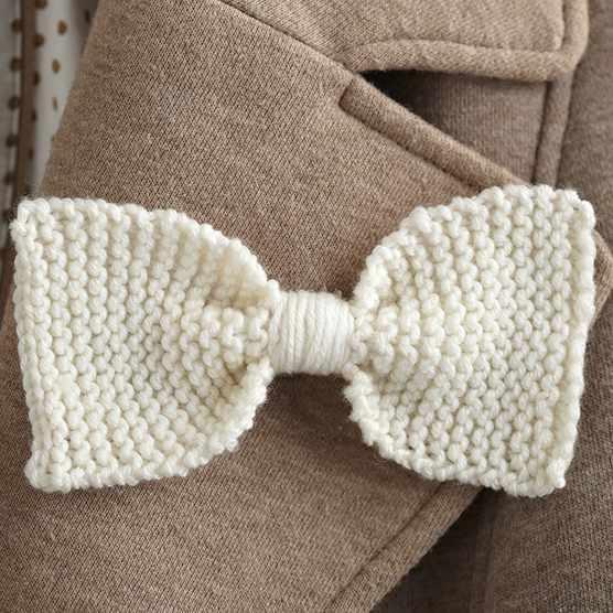 Garter stitch bow pattern
