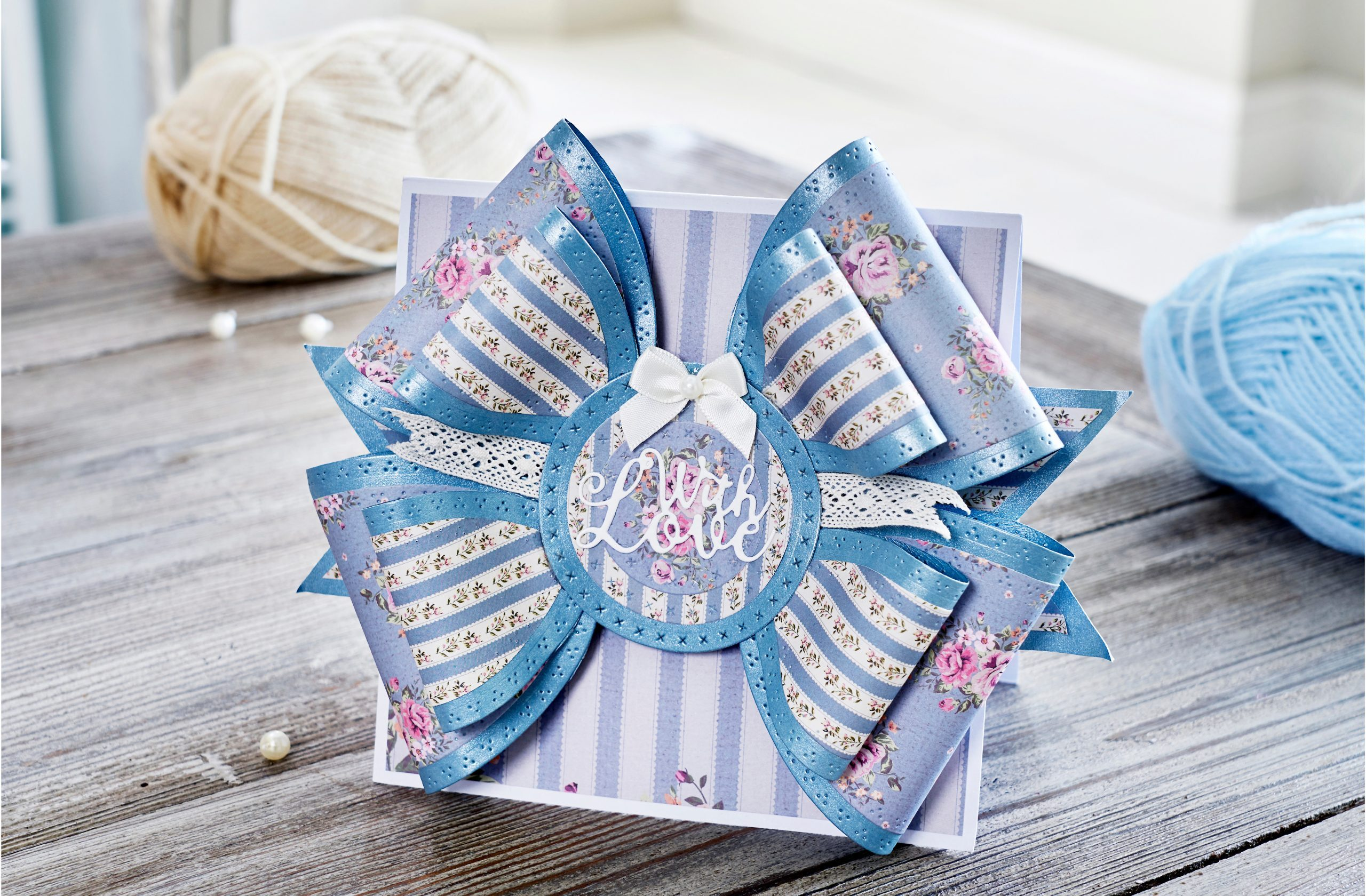 How to make a bow fold card