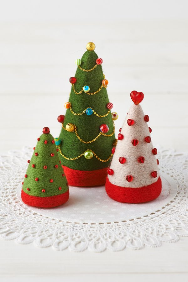 How to make needle felted Christmas ornaments