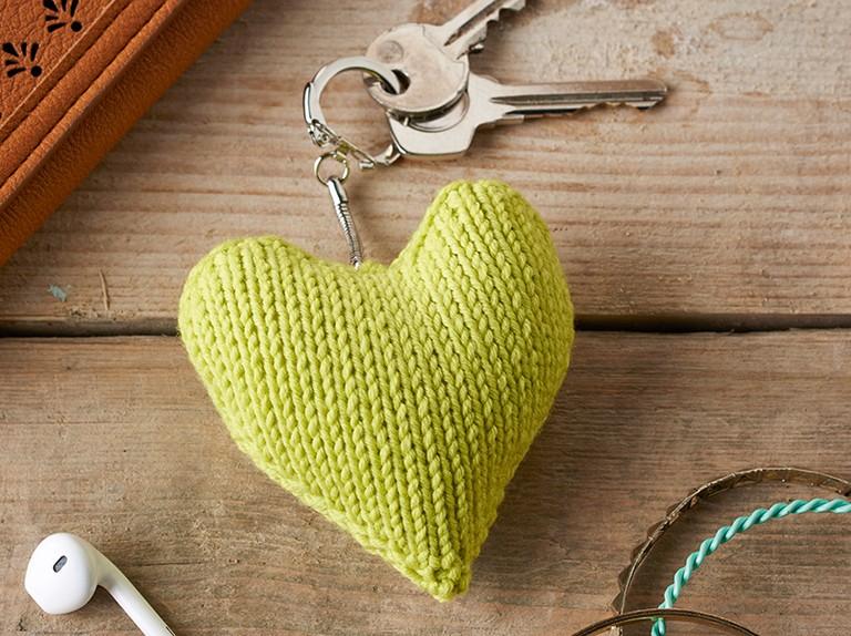 Knitted heart pattern 45b810b