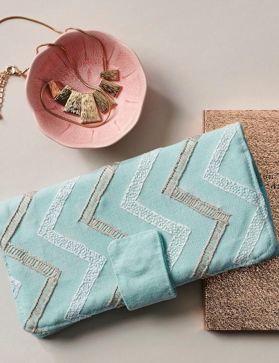 Ladder stitch purse by Sophie Tarrant