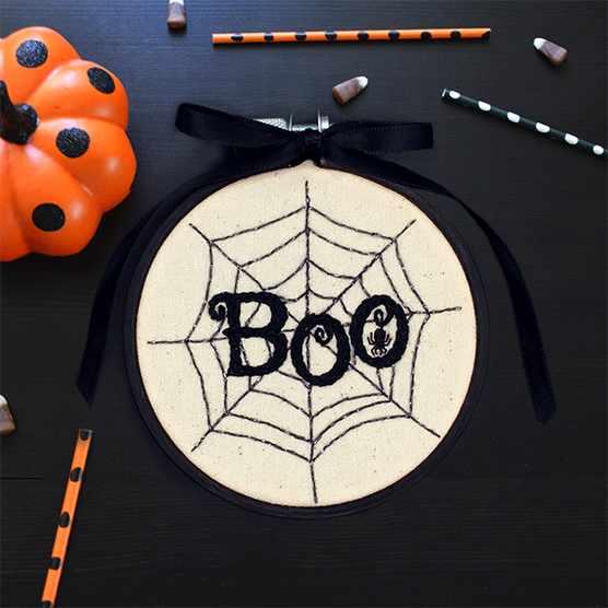 Mini Halloween embroidery hoop