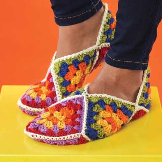 Free_granny_square_crochet_slippers_pattern_main