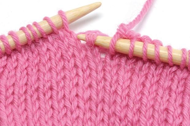 Pick up a dropped knit stitch 1 1e6af55