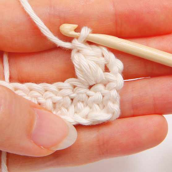 How_to_crochet_puff_stitches_step_04