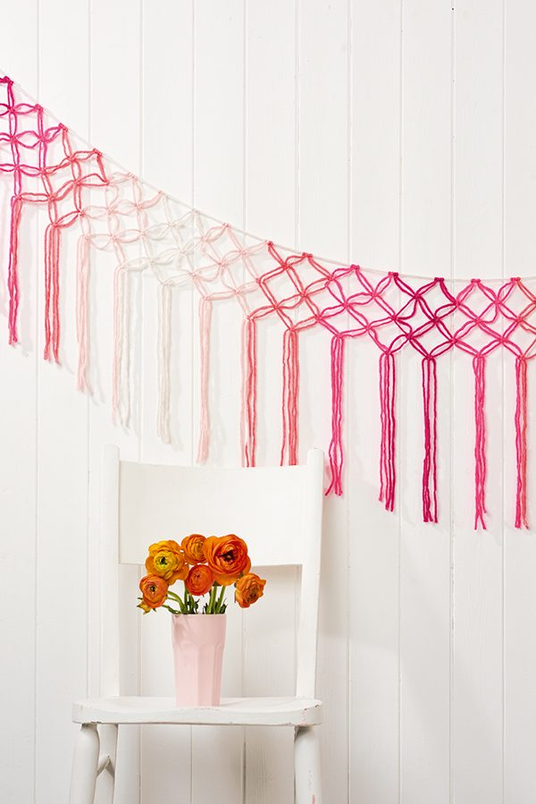 Beginner macrame wall hanging