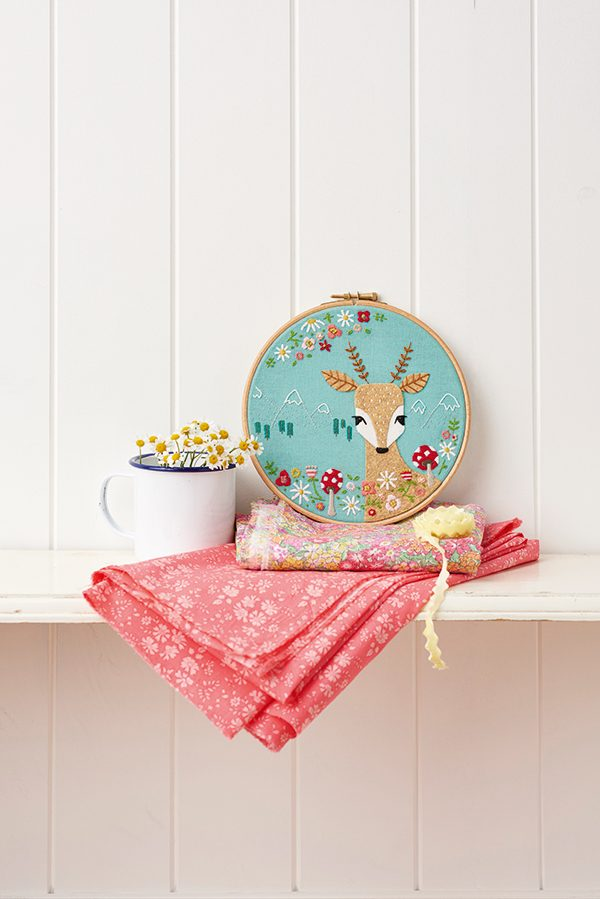 Autumnal deer embroidery pattern
