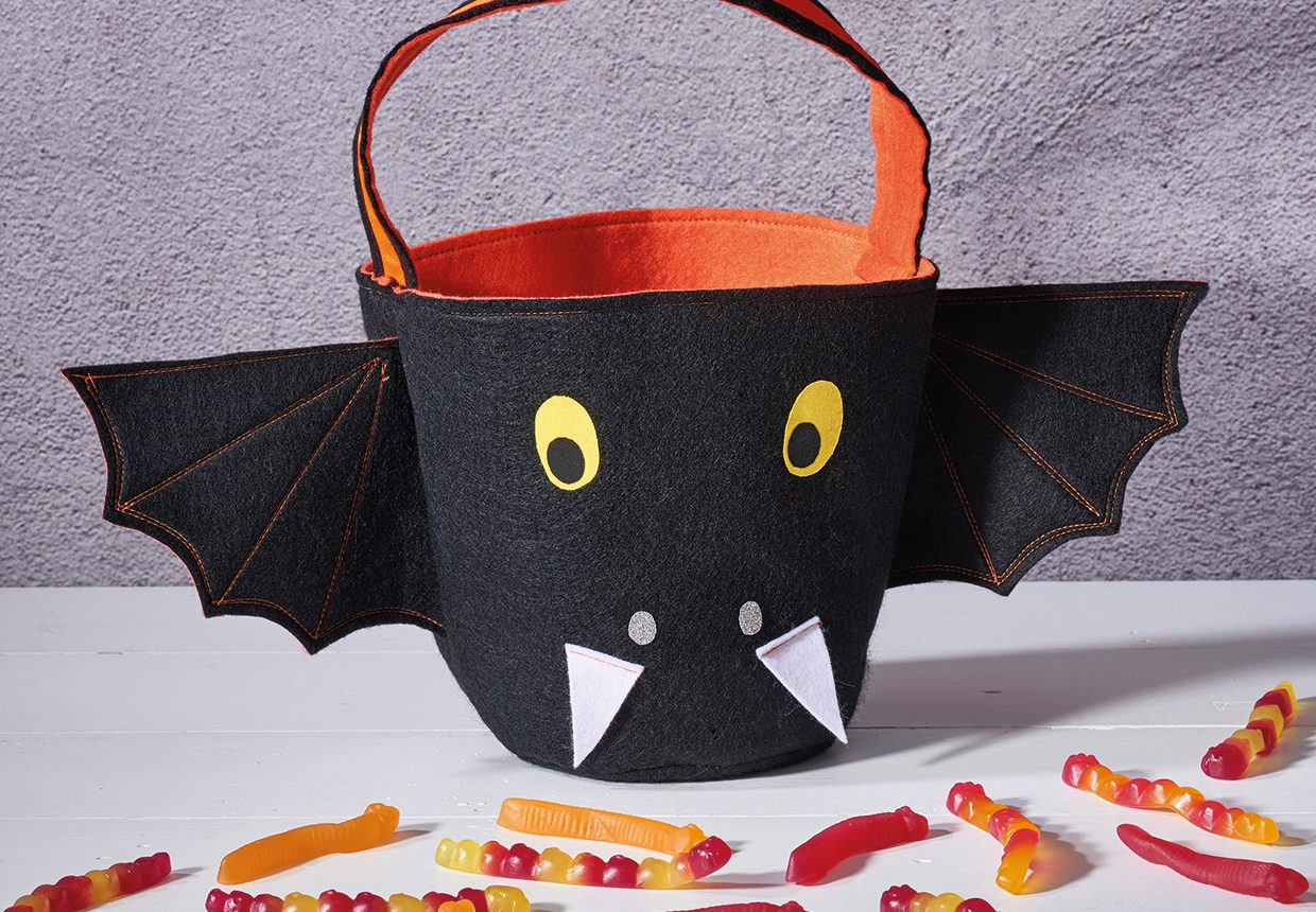 How to make a Trick or Treat bucket