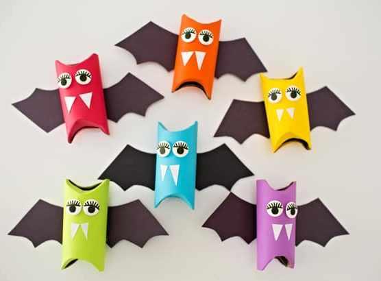 Halloween crafts for kids Rainbow paper tube bats