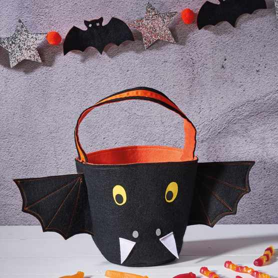 How to make halloween bunting and bucket