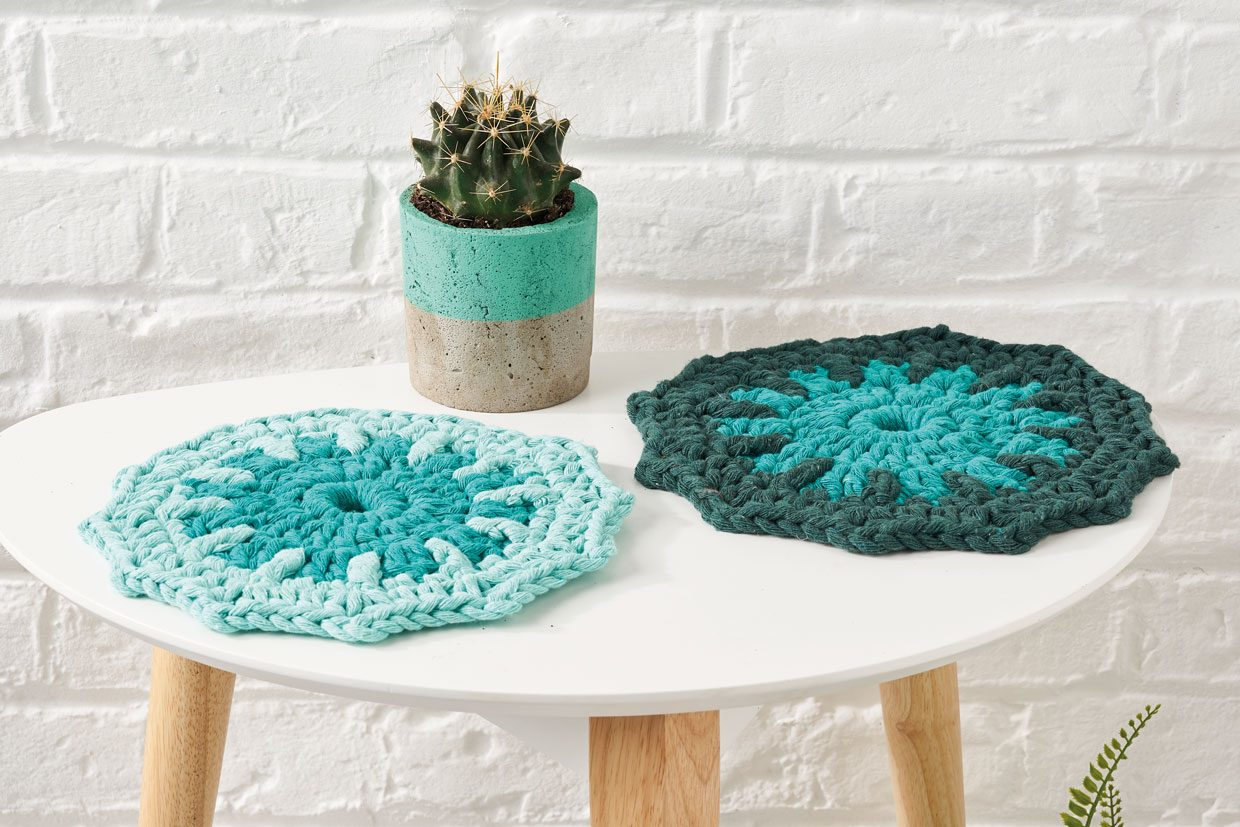 17. Free crochet table mat pattern