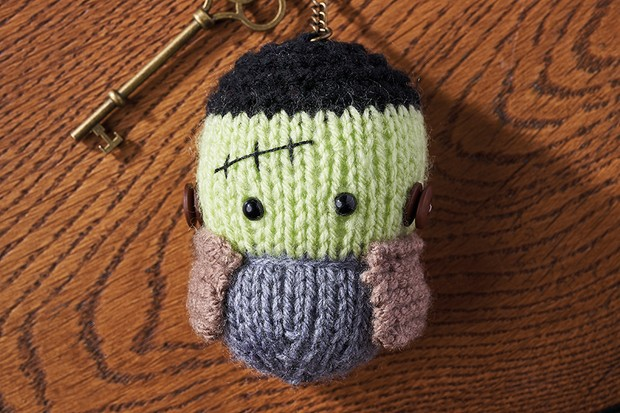 Halloween knitting patterns - Gathered