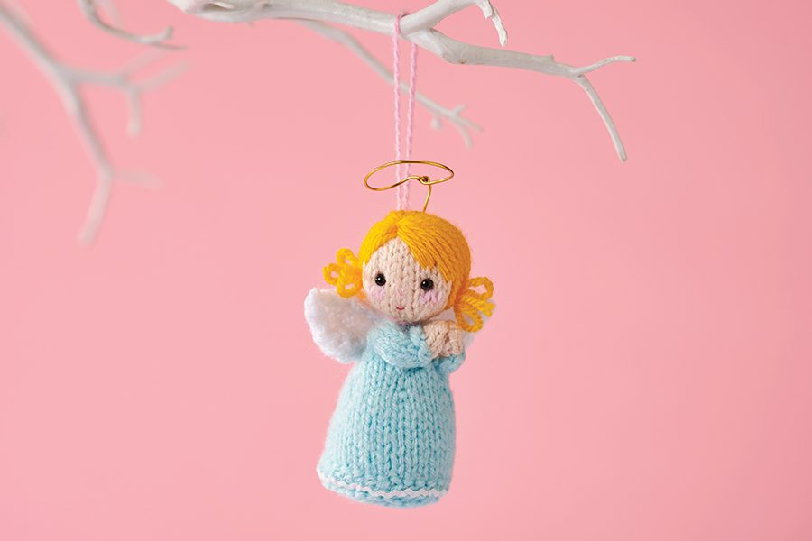 Knitted angel pattern