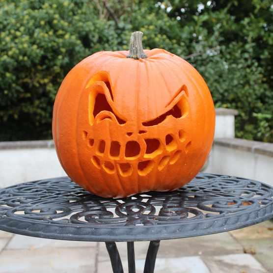 How do you carve a pumpkin?