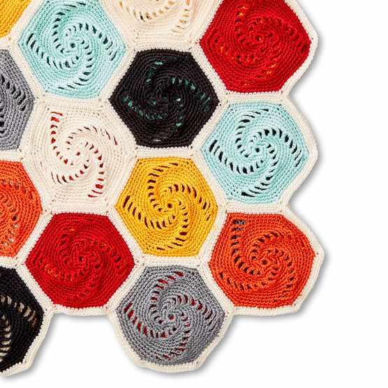 free_crochet_hexagons_blanket_pattern