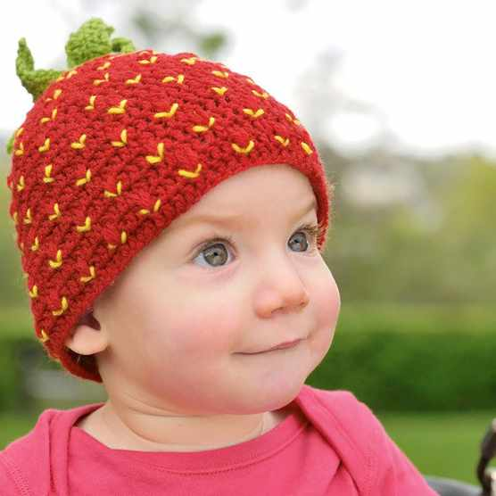 Free_Baby_Strawberry_Hat_Crochet_Pattern
