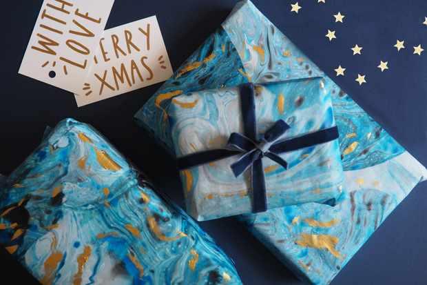 Suminagashi gift wrap tutorial