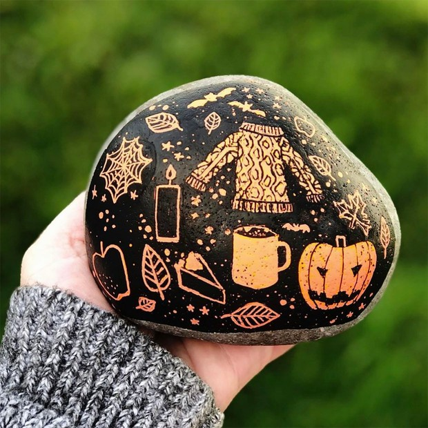 Halloween rock painting ideas – autumn-themed rock