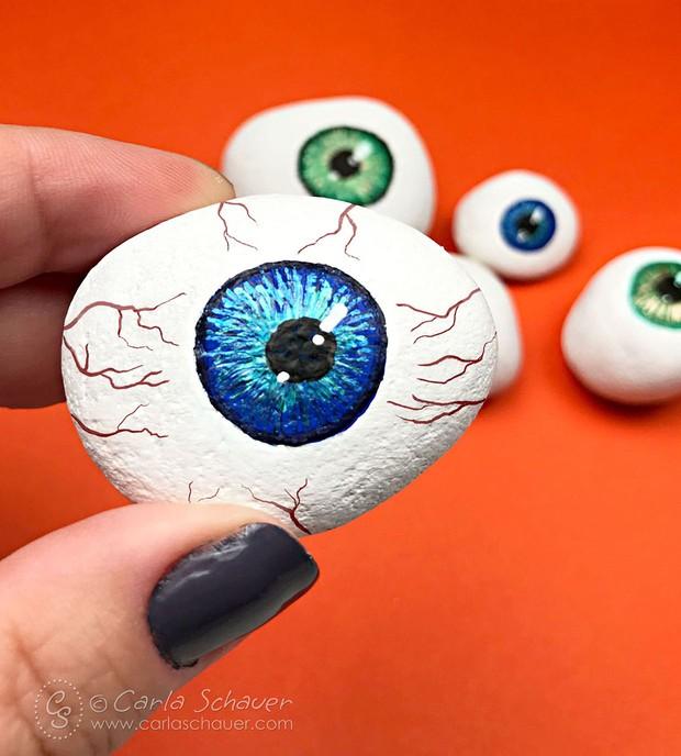 Halloween rock painting ideas – eyeballs