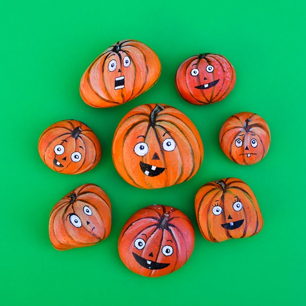 Halloween rock painting ideas – pumpkins from Adventure In A Box