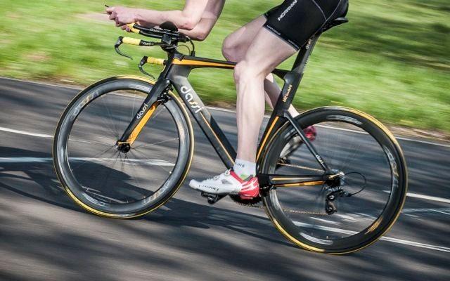 Triathlete on a Dassi TT bike